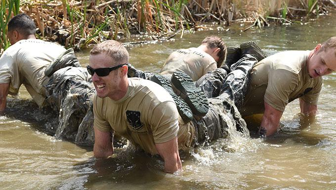 Airmen doing pushups
